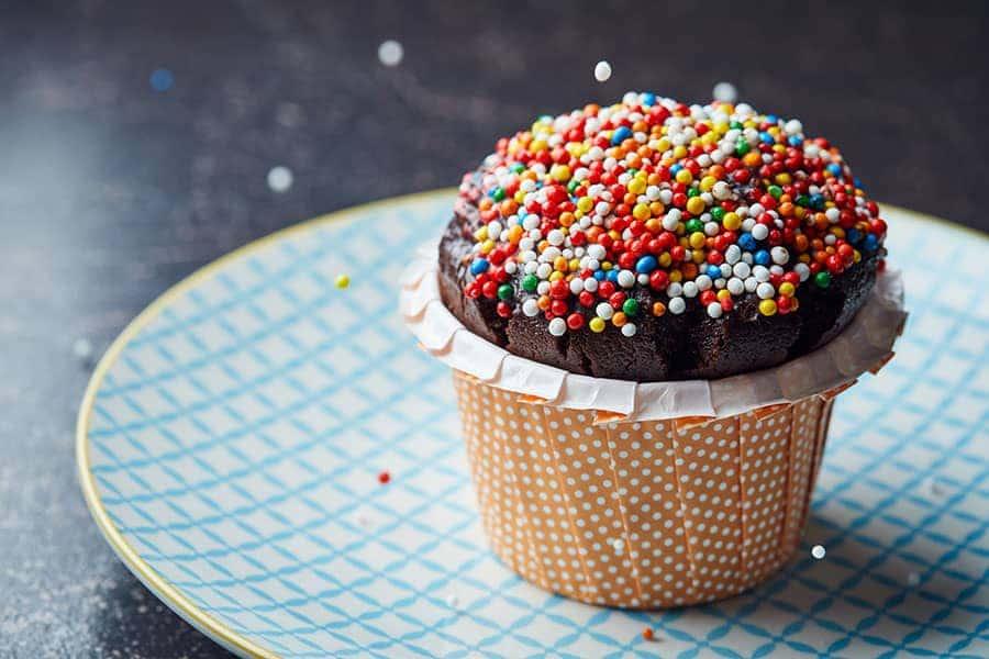 מאפין שוקולד וסוכריות